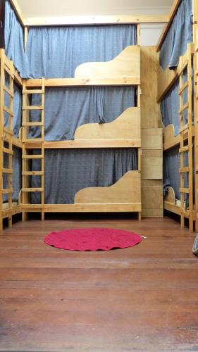 Narivoodi unisex ühistoas (Bunk Bed in Mixed Dormitory Room)