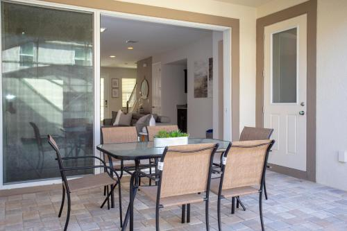 Gorgeous 3 Bd Home w/ Pool and Surf Park @ Solara Resort Main image 2