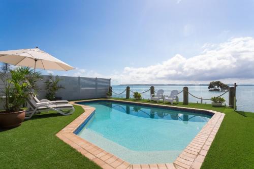 . Moreton Bay Beach Lodge