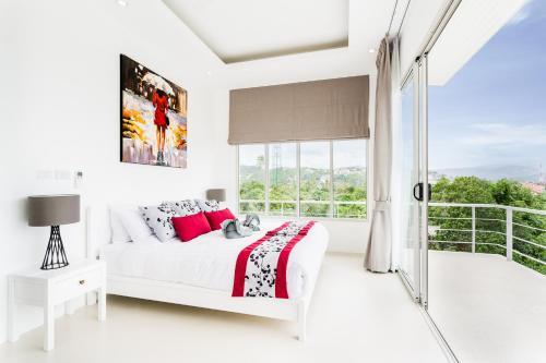 Bright Stylish Villa with Amazing Views Bright Stylish Villa with Amazing Views