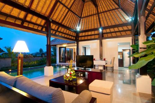 One-Bedroom Luxury Pool Villa