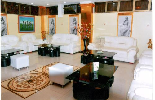 Noble House Yehdega Hotel, Debubawi