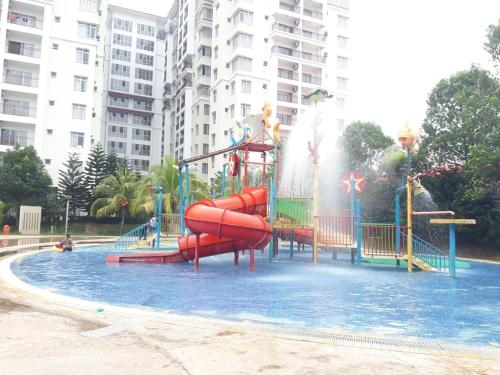Private Studio Apartment with Water Park View byBayouLagoonGuestHouse 0126036564, Kota Melaka