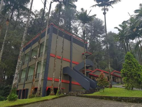 . Surya Hotel & Resort