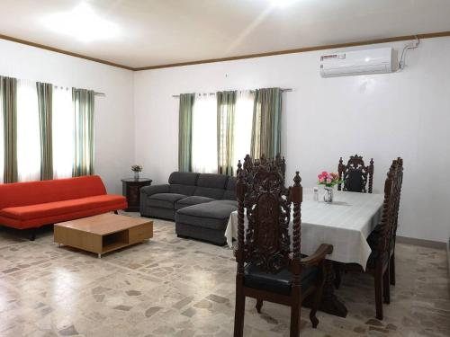 3BR House,10-min drive to Clark airport w/WIFI