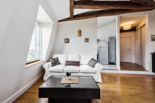 Charming flat near the Champs Elysées photo 10