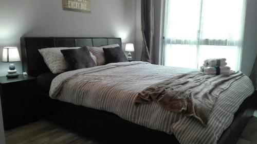 Elegant Bright Private Room Next To River Tejo, 2840-403 Arrentela