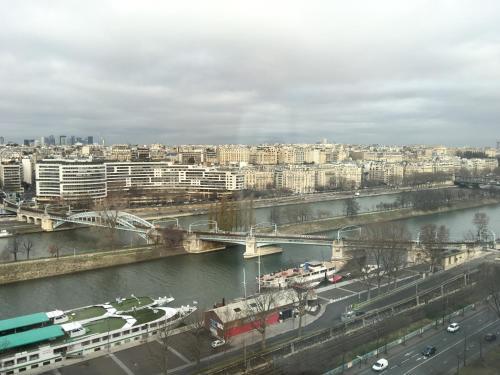 Luxury Studio Eiffel Tower photo 14