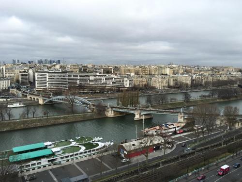 Luxury Studio Eiffel Tower photo 22