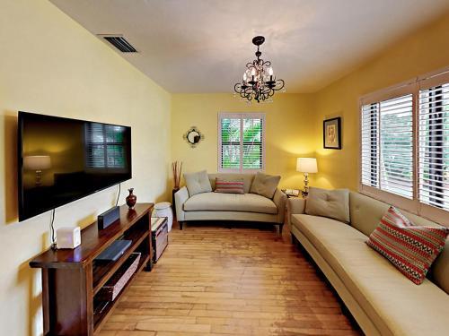 Las Olas Oasis House Home - image 5