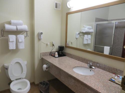 Hometown Hotel Bryant - Bryant, AR 72022
