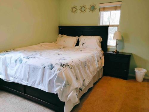 Sweet 4bedrooms single house 15min drive to strip, Clark