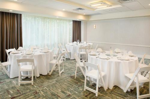 Hilton Atlanta Perimeter Suites - Atlanta, GA GA 30328-4513