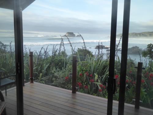 The Bay House Beachside Accommodation - Hotel - Cape Foulwind