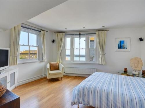 St Ives Villa Sleeps 6 Wifi, St Ives, Cornwall