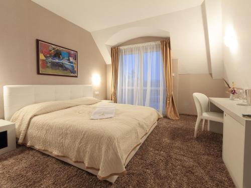Quarto Duplo – Oferta Especial (Double Room - Special Offer)