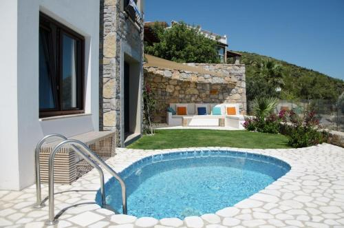 Bodrum City Posh-2 BR Private pool garden floor apartment rezervasyon