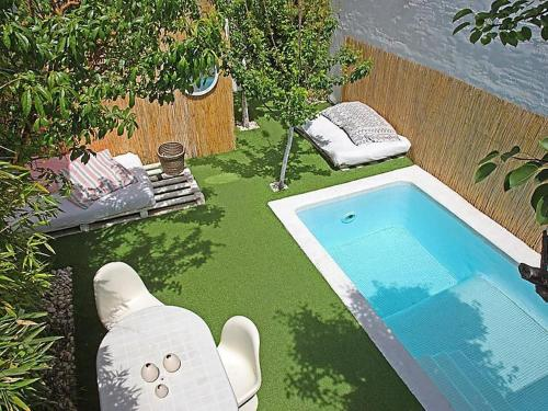 Barcelona Villa Sleeps 10 Pool Air Con WiFi
