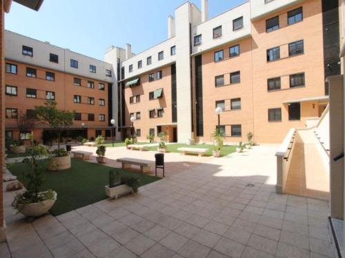 Adelfas Apartment Sleeps 10 Air Con Wifi