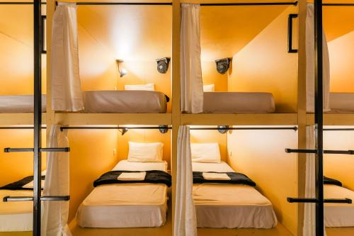 Hotel Capsule Hostel