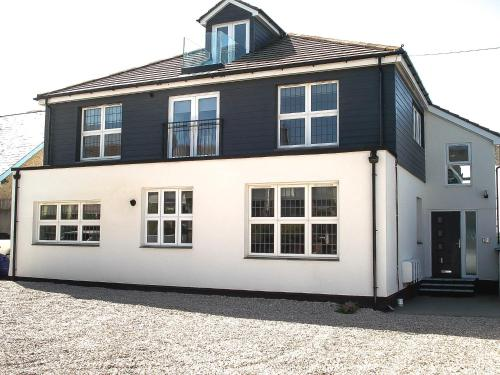 Meadow View Apartments, Crantock, Cornwall
