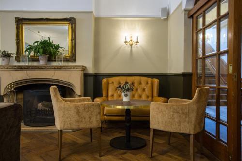 Hatton Court Hotel - Photo 5 of 34