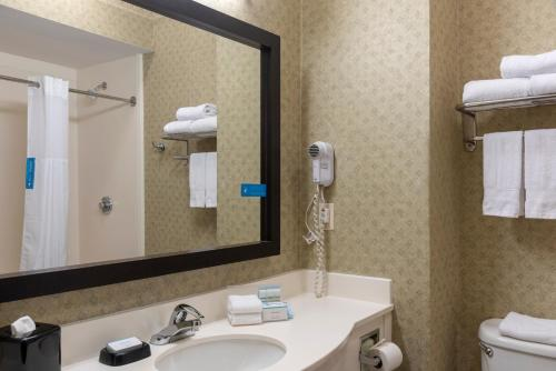 Hampton Inn & Suites Valparaiso - Valparaiso, IN 46385