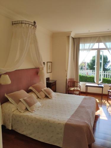 King Room with Sea View Villa Antumalal B&B 3