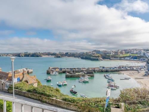 6 Harbour View, Porth, Cornwall