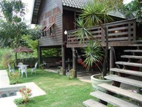 Ayothaya Riverside House impression