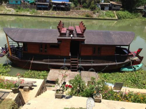 Ayothaya Riverside House photo 23