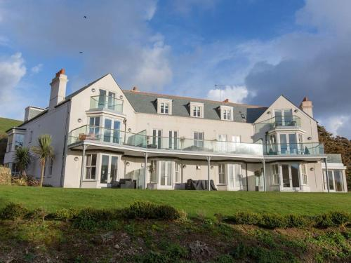 10 The Whitehouse, Watergate Bay, Cornwall