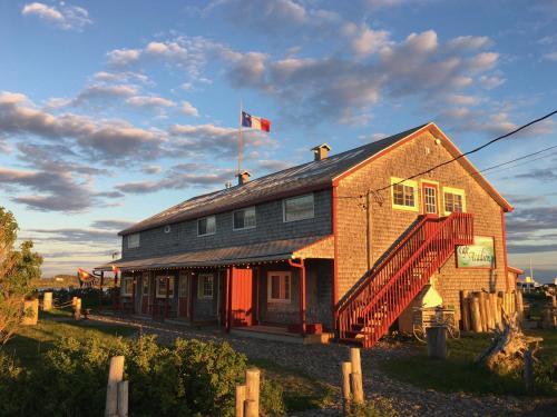 . Café Acadien