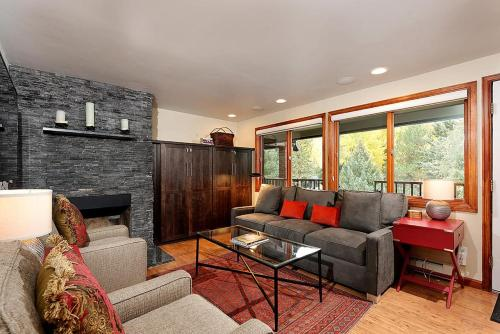 Silverglo Condominiums Unit 305 - Aspen, CO 81611