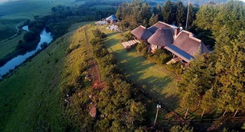 . Amazian Mountain River Lodge