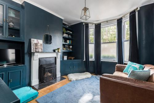Elegant 2 Bedroom Flat In Fulham