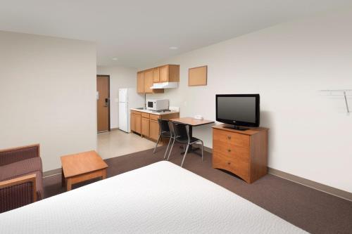 Woodspring Suites Pensacola Northwest - Pensacola, FL 32534