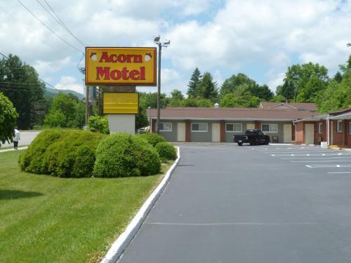 Acorn Motel - Black Mountain - Accommodation