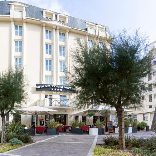 58 avenue Edouard VII 64200, Biarritz, France.