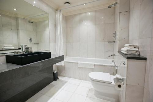 Sanctum International Serviced Apartments - Photo 4 of 111