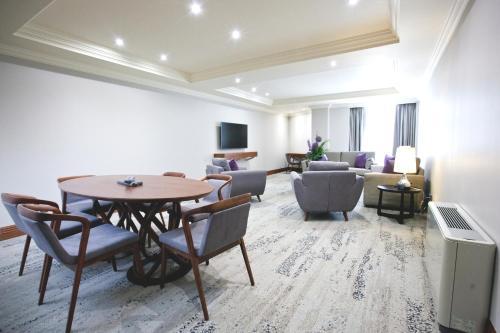 Sanctum International Serviced Apartments - Photo 2 of 111