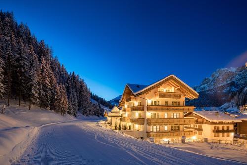 Hotel Somont Wolkenstein-Selva Gardena