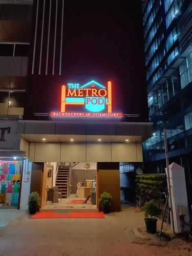 The Metro Pod - Backpackers A/C Dormitory
