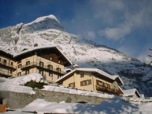 Hotel Ottoz Meublé Courmayeur