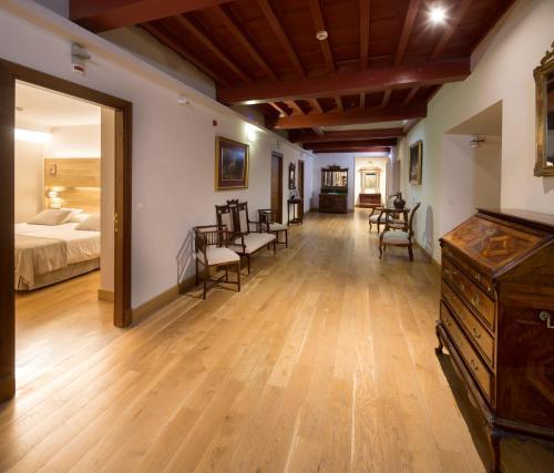Habitación Doble con aparcamiento gratuito - 1 o 2 camas Hotel Real Colegiata San Isidoro 17