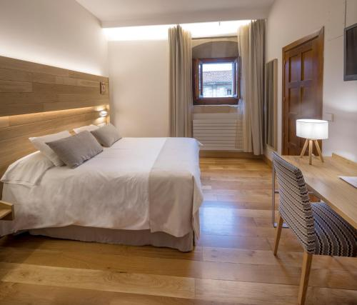 Single Room with Free Parking Hotel Real Colegiata San Isidoro 13