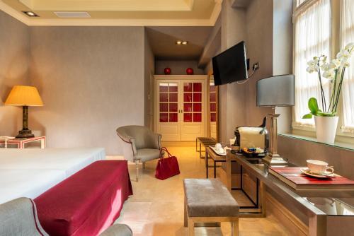 Superior Double Room Hotel Casa Del Poeta 10
