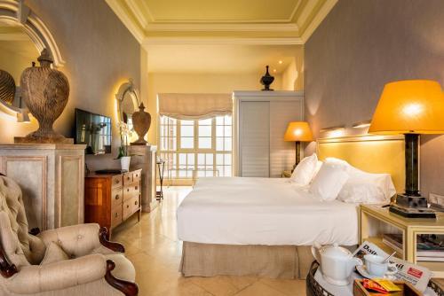 Suite Hotel Casa Del Poeta 35