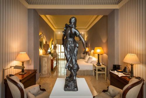 Suite Hotel Casa Del Poeta 36