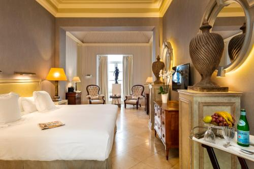 Suite Hotel Casa Del Poeta 37